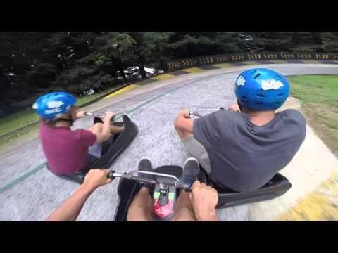 Mukava kesäkelkkarata Uudessa-Seelannissa – Skyline Luge Rotorua