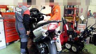 6. 2010 YAMAHA T-MAX  engine start racing sound 2
