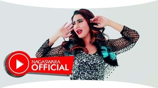 Wulan Wang - Putuskanlah Aku (Official Music Video NAGASWARA) #dangdut