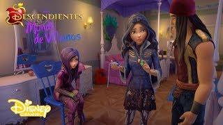 """¡El Joyabileo está aquí!  Y también el nuevo habitante de Auradon: Zevon. ¡Sigue en el universo de Descendientes con Mundo de Villanos, en Disney Channel!Sitio oficial de Disney Channel: http://www.disneylatino.com/disneychannel/Síguenos en Facebook: http://www.facebook.com/disneychannellatinoamericaTwitter: https://twitter.com/disneychannellaInstagram: https://instagram.com/disneychannel_la/¡Haz click en """"Suscribirse"""" para recibir notificaciones de los nuevos videos de Disney Channel en YouTube!"""