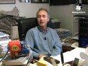 Compra il DVD: http://grillorama.beppegrillo.it/passaparola http://www.beppegrillo.it/iniziative/passaparola UNA PICCOLA PRECISAZIONE SU QUANTO HO DETTO NEL PASSAPAROLA DI OGGI I processi al Cavaliere sono finora 17: 5 in corso (corruzione Saccà, corruzione senatori, corruzione giudiziaria Mills, fondi neri Mediaset, Telecinco in Spagna) e 12 già conclusi, più varie indagini archiviate (6 per mafia e riciclaggio, 2 per le stragi mafiose del 1992-93, ecc.). Ricapitolando, nel dettaglio. Nei 12 processi già chiusi, le assoluzioni nel merito sono solo 3: 2 con formula dubitativa (comma 2 art.530 Cpp) per i fondi neri Medusa e le tangenti alla Finanza (insufficienza probatoria), 1 con formula piena per il caso Sme-Ariosto/1. Altre 2 assoluzioni  All Iberian/2 e Sme-Ariosto/2 - recano la formula il fatto non è più previsto dalla legge come reato: limputato se lè depenalizzato (falso in bilancio). Per il resto: 2 amnistie per la falsa testimonianza sulla P2 e un falso in bilancio sui terreni di Macherio; e 5 prescrizioni, grazie alle attenuanti generiche, che si concedono ai colpevoli, non agli innocenti: All Iberian/1 (finanziamento illecito a Craxi), caso Lentini (falso in bilancio con prescrizione dimezzata dalla riforma Berlusconi), bilanci Fininvest 1988-92 (idem come sopra), 1500 miliardi di fondi neri nel consolidato Fininvest (come sopra), Mondadori (corruzione giudiziaria del giudice Metta tramite Previti, entrambi condannati). Marco Travaglio