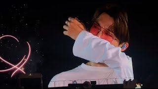 Video Young Forever fancam - London Wembley Stadium (Army surprise BTS!) download in MP3, 3GP, MP4, WEBM, AVI, FLV January 2017