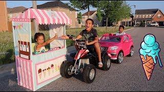 Drive Thru Ice Cream Stand Kids Pretend Play | FamousTubeKIDS