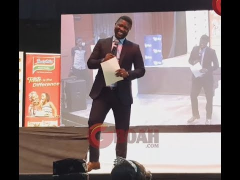 Comedian Seyi Law Makes Guests Laugh As He Throws Shot At A Policeman & His Friend Who Smokes Igbo
