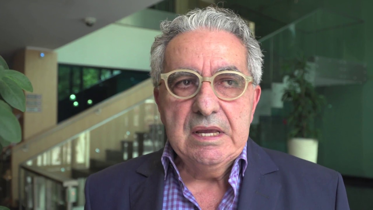 Elio Perez , Stratégie Internationale