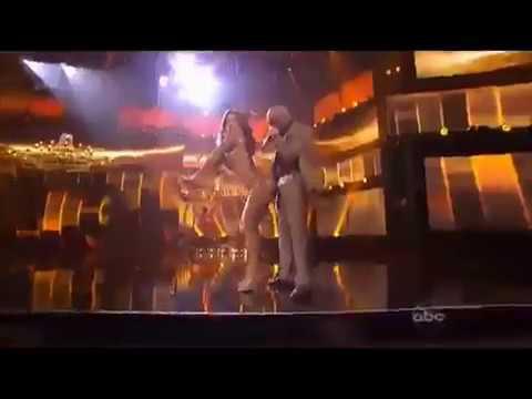Jennifer Lopez Provoca Erección a Pitbull @AMA 2011 [@buscandosonido]