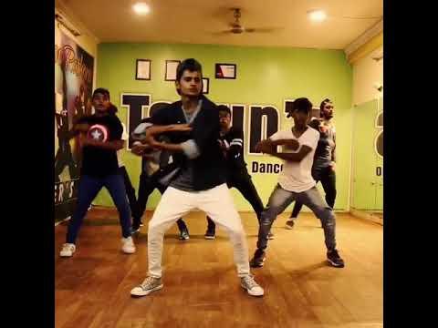 Video Swalla Piyush Shah's dance ...... download in MP3, 3GP, MP4, WEBM, AVI, FLV January 2017