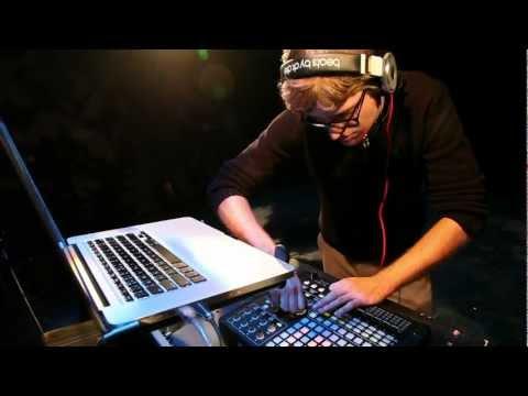 Professor Kliq - Lift (Always Dewaele) - Live Performance
