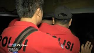 Video Takut Ditangkap Polisi, Pelaku Pencurian Mobil Sembunyi di Atas Plafon Part 02 - Police Story 27/02 MP3, 3GP, MP4, WEBM, AVI, FLV September 2018