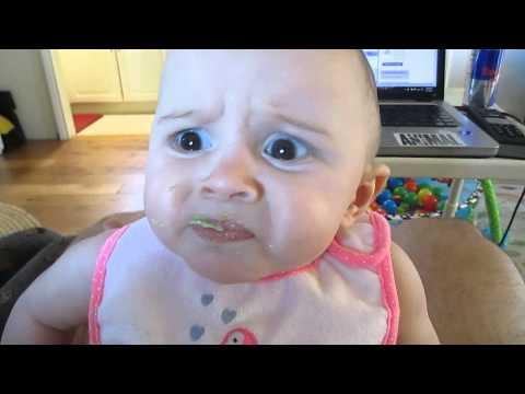 真的有那麼難吃嗎?這個小寶寶吃鱷梨的反應網路爆紅!