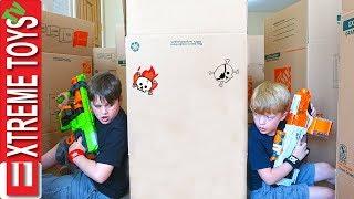 Video Ethan Vs. Cole Nerf Battle Royale in a Cardboard Box Maze Fort! MP3, 3GP, MP4, WEBM, AVI, FLV April 2018