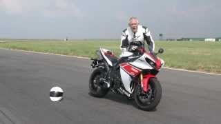 8. Episode 1: Yamaha R1 vs Yamaha R6 Test