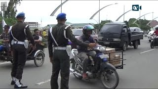 Video Polisi Militer Traktir Makan Abang Becak MP3, 3GP, MP4, WEBM, AVI, FLV Desember 2017