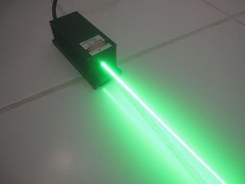 HUGE 640mW Green Laser Burning Stuff!