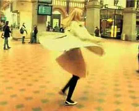 Tekst piosenki Lykke Li - Dance Dance Dance po polsku