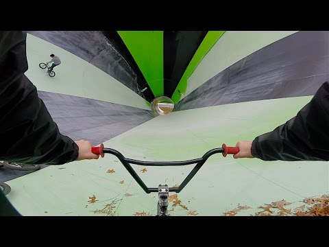 GoPro BMX RIDING INSANE WATERPARK! (видео)