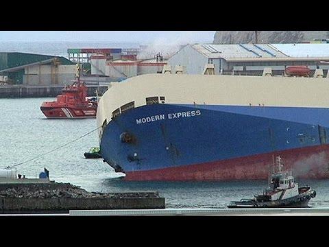 Στο λιμάνι του Μπιλμπάο ρυμουλκήθηκε το «Μόντερν Εξπρές»