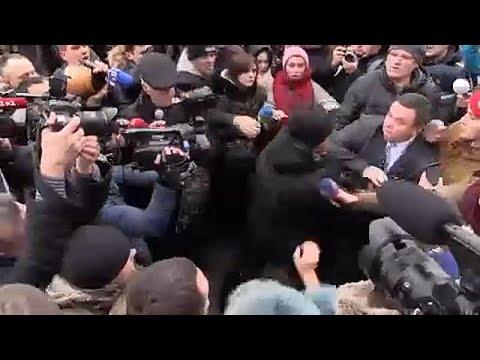 Οργή για τη δολοφονία δικηγόρου – ακτιβίστριας