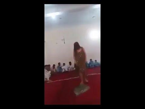 dance karte hue ladki ki salwar Uttar gai new viral video 2019