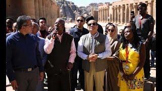موجز الرابعة.. الرئيس السيسي والشباب الإفريقي في جولة بمعبد فيلة