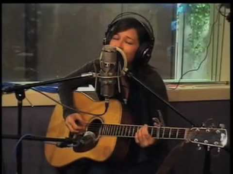 "Meiko Performs ""Good Looking Loser"" Live In-Studio!"