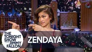 Video Zendaya Shows One of Her and Zac Efron's Trapeze Fails for The Greatest Showman MP3, 3GP, MP4, WEBM, AVI, FLV Maret 2018