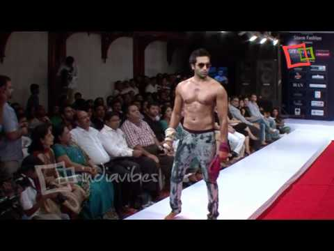Video Kochi International Fashion Week 2011 Coming Soon download in MP3, 3GP, MP4, WEBM, AVI, FLV January 2017