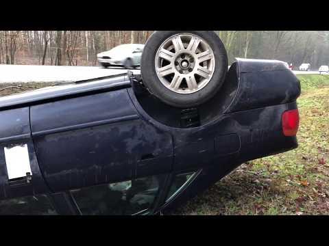 Wideo1: Dachowanie audi na trasie Leszno - Kąkolewo