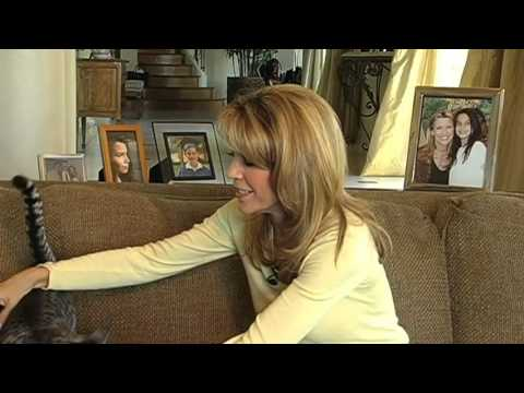 Video Behinds the Scenes and Outtakes with Vanna White download in MP3, 3GP, MP4, WEBM, AVI, FLV January 2017