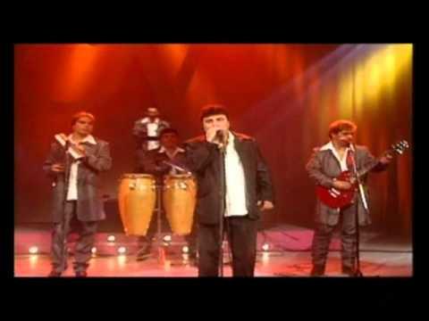 Amar Azul video Un polvito raro - CM Vivo 2000