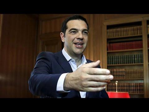 Γιούνκερ: «Η μπάλα στο γήπεδο της Ελλάδας»