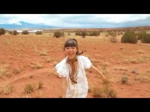 , title : '永原真夏+SUPER GOOD BAND / 青い空(MUSIC VIDEO)'
