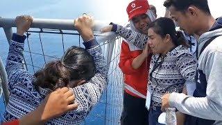 Video Tangis Histeris Istri Korban Lion Air hingga Akan Loncat ke Laut saat Datangi Titik Jatuhnya Pesawat MP3, 3GP, MP4, WEBM, AVI, FLV November 2018