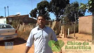 Um pequeno documentário de alguns lugares que ainda é poeira e lama. O Vereador Chico mostra a deficiência e a falta de qualidade de vida das pessoas pela fa...