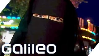 Video Self-experiment: In a burka through Hamburg's red light district MP3, 3GP, MP4, WEBM, AVI, FLV Oktober 2018
