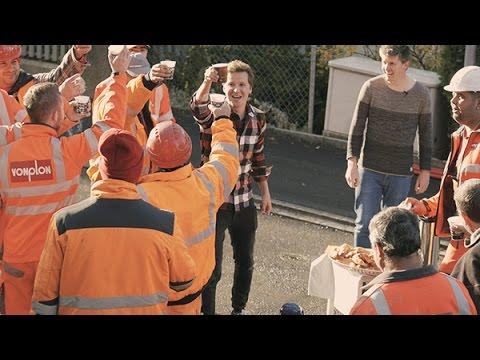 Mensche in Orange - Versteckte Kamera - CM ft. Jonathan Schmidt