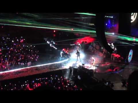 Coldplay - Charlie Brown - Live at the o2 London - 9/12/11