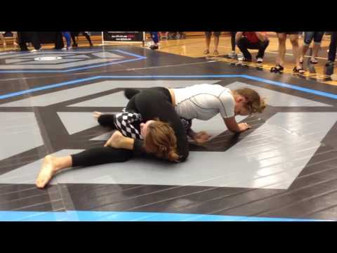 Grappling Women Nogi Fargo Submission challenge 2016:  Mandy Starts a bit slow, but about hallf way through the triangle sticks :)