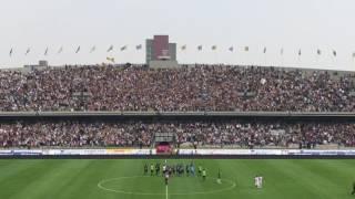 Goya con la Rebel al final del partido contra Necaxa.
