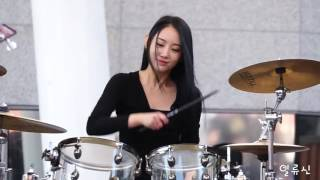 Drummer cewek cantik