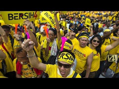 Μαλαισία:Ειρηνική διαδήλωση κατά του πρωθυπουργού Νατζίμπ Ρατζάκ