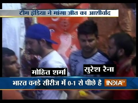 Suresh Raina, Mohit Sharma and others visits Khajrana temple in Indore