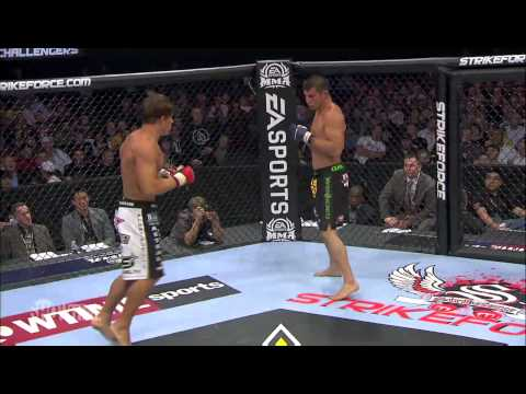 Roger Bowling vs Bobby Voelker at Strikeforce Challengers 8 May 21 2010
