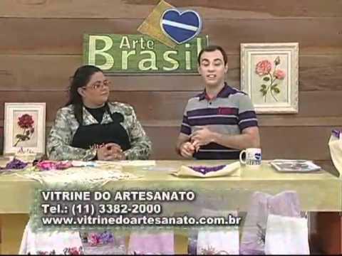 ARTE BRASIL - VALÉRIA SOARES - BOLSA BORDADA COM CORAÇÃO DE FITAS (15/08/2011)