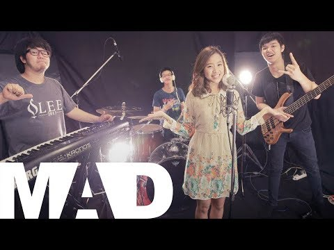Midnight - รักคือ (Cover) - Midnight Band Original by รักคือ - Monotone Midnight Band Performed by Vocal - Pornnapar Kankasemsuk Piano - Janpat Montrelerdrasme Bass - W...