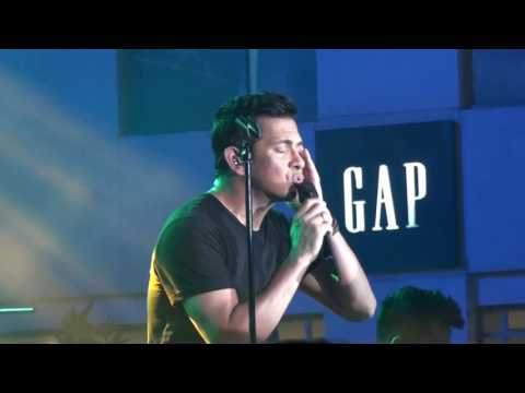 Video Ikaw Lamang - Gary V in Eastwood Mall download in MP3, 3GP, MP4, WEBM, AVI, FLV January 2017