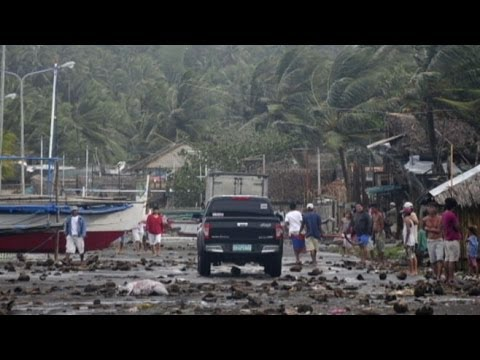 Philippines - Popular tourist destinations face hard hitting storm.