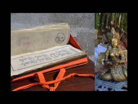 himalayan TsaTsa traditional Buddhist Tibetan Book / Livres traditionnels bouddhiste himalayens