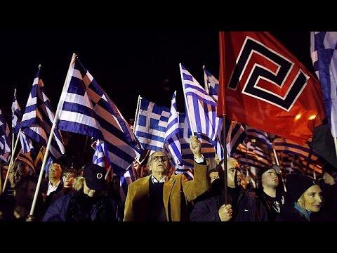 Atina'da aşırı sağ ve faşizm karşıtları aynı gün sokaklara indi