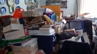 Landlord Shocked! Inspecting Disgusting Hoarder House After Renter Dies